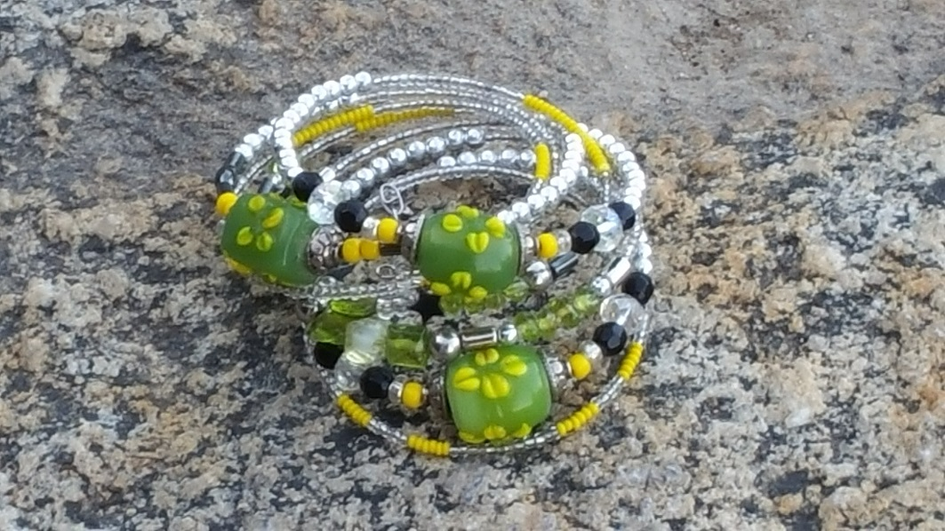 Jewelry Art Green Beaded Bracelets